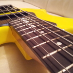 HAND MADE - Electric instruments_jazz 4 strings Tumb-Yellow - LED (8)
